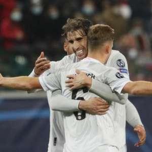 Bayern leva susto, mas segue 100%; Atlético desencanta