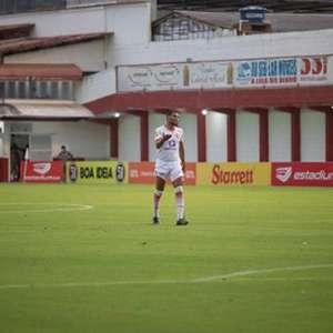 Na briga pelo acesso, Willian Rocha comemora primeira ...