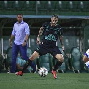 Chape e CSA empatam sem gols na Arena Condá
