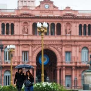 Argentina pode solicitar novos recursos do FMI em meio a ...