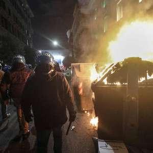 Roma tem novo protesto violento contra medidas anti-Covid