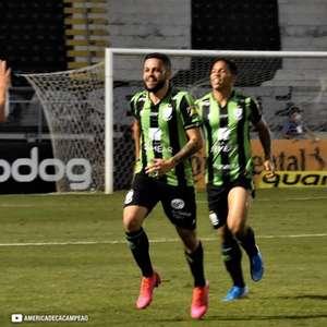 Felipe Azevedo projeta jogo contra o Corinthians e diz ...