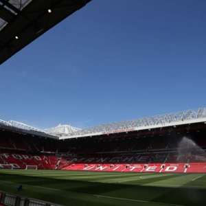 Manchester United estuda volta de torcedores ao Old ...