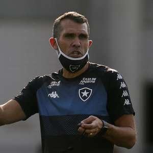 Bruno Lazaroni continuará no Botafogo como auxiliar técnico