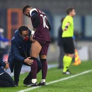 Neymar sente lesão na coxa e deixa jogo do PSG