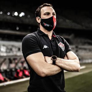 Bruno Pivetti avalia passagem pelo Vitória e torce por ...