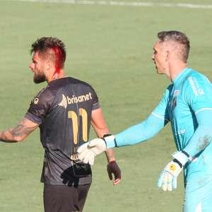 Santos tem expulsão no 1º e segura empate com Ceará na Vila