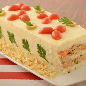 Torta fria de salpicão simples e deliciosa