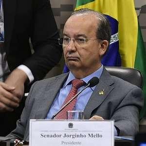 Bolsonaro nomeia dois novos vice-líderes do Centrão