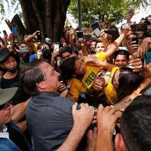 """Virei boiola, igual maranhense"", diz Bolsonaro a apoiadores"