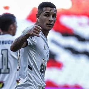 Guilherme Arana pode substituir Alex Telles com covid-19