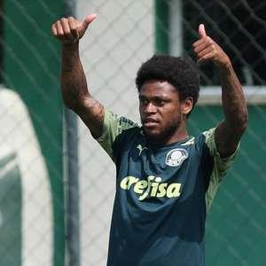 Luiz Adriano completa 50 jogos pelo Palmeiras e estreia ...