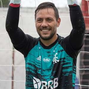 Não quer R$ 1 milhão para renovar, diz estafe de Diego Alves