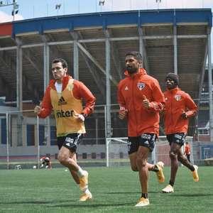 Reservas do São Paulo treinam no CT do San Lorenzo, em ...