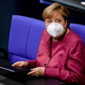 'Minimizar Covid por populismo é irresponsável', diz Merkel