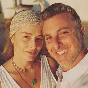 Com 16 anos de casados, Luciano Huck e Angélica trocam ...