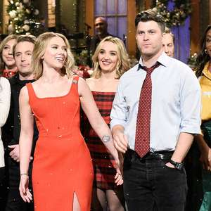 Scarlett Johansson se casa com comediante do Saturday ...