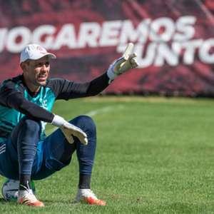 VP do Flamengo comenta negociação com Diego Alves: 'Não ...