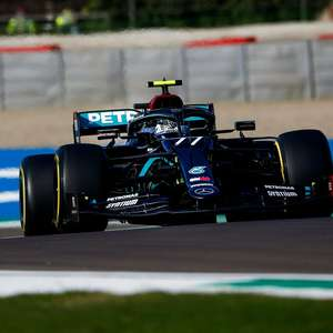 Bottas reage contra Hamilton e assegura pole-position do ...