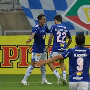 Cruzeiro faz jogo seguro e derrota o Paraná no Mineirão