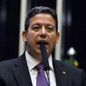 Aliado de Bolsonaro, Lira concorrerá à presidência da Câmara
