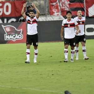 Flamengo sai na frente, mas cede empate ao Atlético-GO