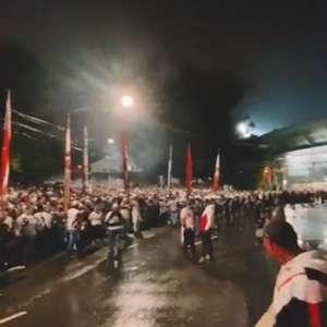 Sampaoli, Lisca e torcida do São Paulo dão péssimo exemplo