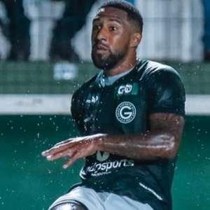 Vidal crê em mais oportunidades no Goiás com novo treinador