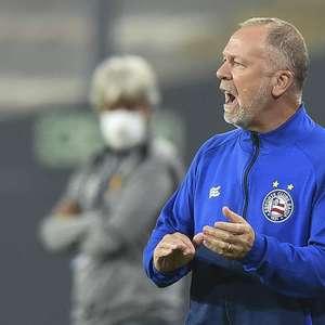 Mano Menezes é mais um treinador diagnosticado com covid-19