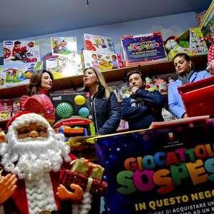 Inspirada em tradição, Nápoles arrecada brinquedos para ...