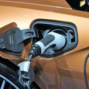 Reino Unido deixará de vender carros a combustão em 2030