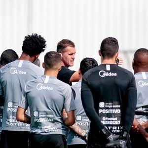 Para evitar o Z4 e quebrar jejum, Corinthians busca vitória em casa