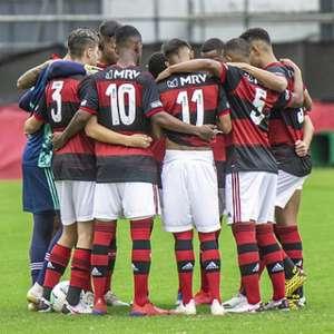 Com dois de Mateusão, Flamengo vence a Chapecoense e chega ao G-4 do Brasileirão Sub-20