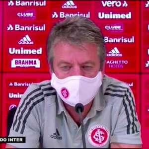 """INTERNACIONAL: Leomir explica substituições na derrota para o Fluminense: """"Foram feitas em conjunto comigo, Abel e Loss que estava no banco"""""""