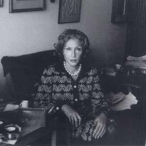 Elena Ferrante indica seus livros preferidos escritos ...