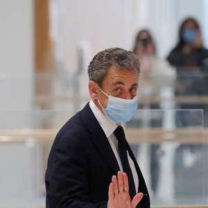 Juízes adiam julgamento de Sarkozy devido a risco de ...