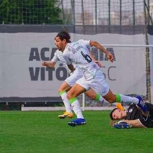 Pedro Augusto comemora vitória do Tondela e ...