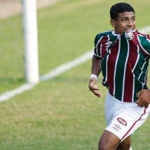 Mais três: John Kennedy, artilheiro do Fluminense na ...