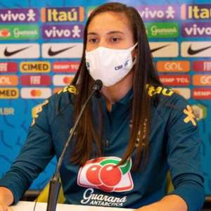 Camila cita surpresa em substituir Marta na Seleção ...