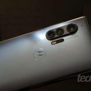 Motorola prepara celular com Snapdragon 865 e câmera de ...