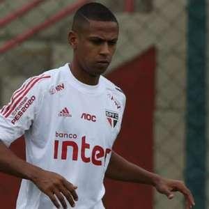 Com familiar positivo para covid-19, Bruno Alves ...