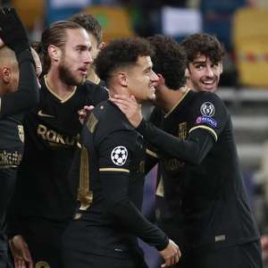 Barça goleia e se classifica; Juve vira com gol nos ...