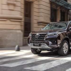 Novo Toyota SW4 a diesel tem 204 cv e passa de R$ 300 mil
