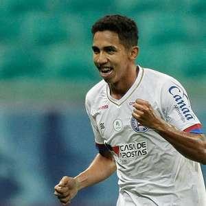 Corinthians prorroga empréstimo do meia Fessin ao Bahia ...
