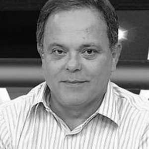 Jornalistas prestam homenagens ao apresentador Fernando ...