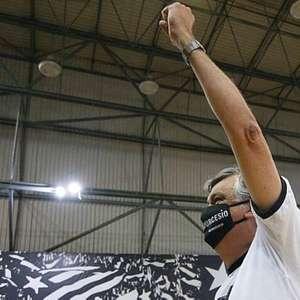 Durcesio Mello é eleito presidente do Botafogo e terá ...