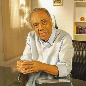 Ex-governador de SE, João Alves Filho morre com covid-19