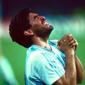 Nos anos 90, Maradona negociou com grandes clubes do Brasil