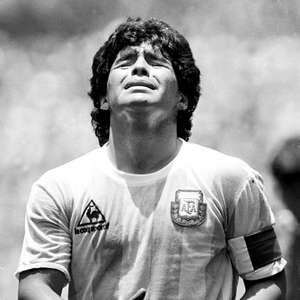 Ex-jogador: Maradona estaria vivo se tivesse jogado na Juve