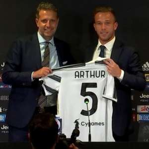 Pirlo, técnico da Juventus, critica escolhas de Arthur ...